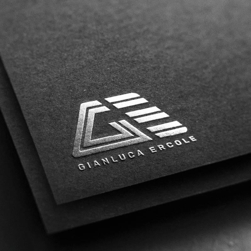 logo argentato